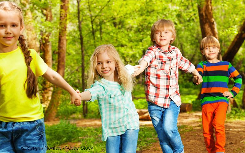 Laufen, springen und toben machen Kinder klug